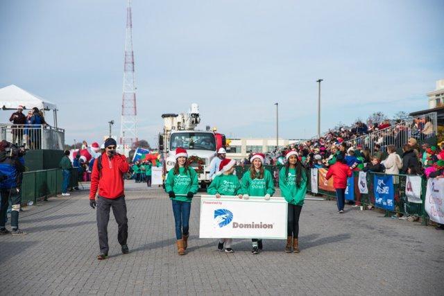 2016 photos dominion christmas parade 2016 dominion energy christmas parade - Dominion Christmas Parade