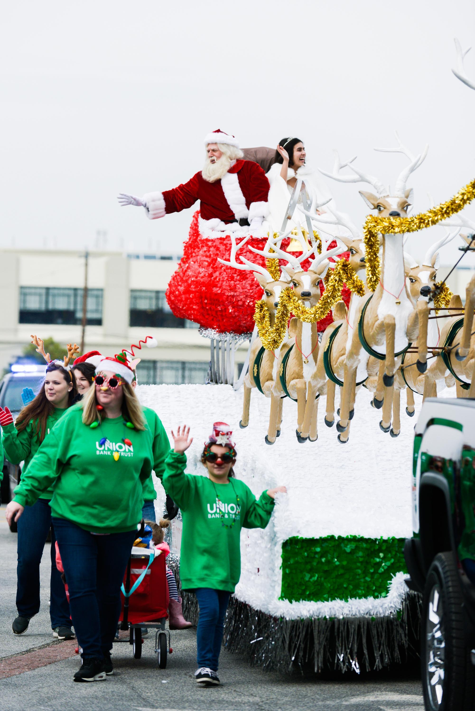 dominion energy christmas parade 2017caroline martin photography753 - Dominion Christmas Parade